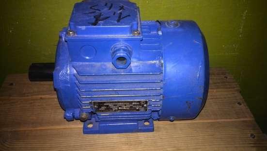 Электродвигатель 1.1кВт,1410об/мин,380В, на лапах