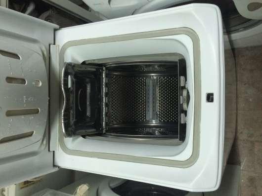 Продам стиральную машину Indesit WITL 106