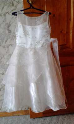 Платье нарядное для девочки рост 104-110