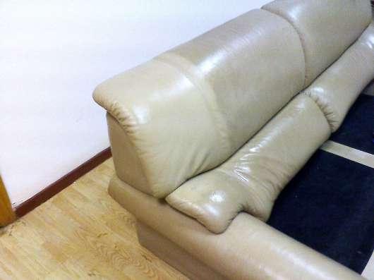 Чистка обивки мягкой мебели из кожи