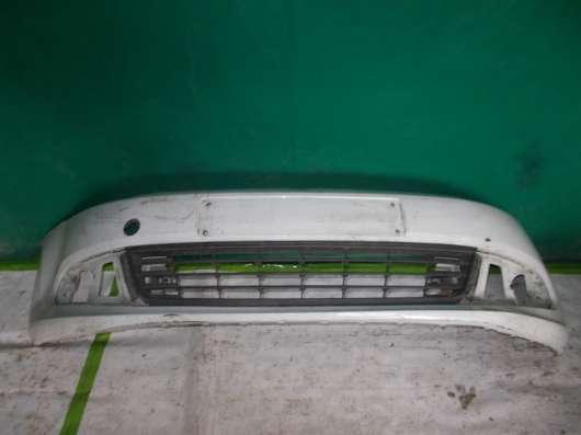 Volkswagen Polo - Седан. Белый Передний бампер Оригинальный.