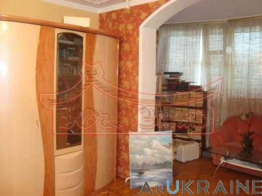 Трёхкомнатная квартира на ул. Королева/Архитекторская в г. Одесса Фото 1