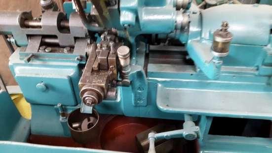 Продаю токарные станки 1К62Д (ДГ), 1К625, 1В06А, 1Е140, Dh