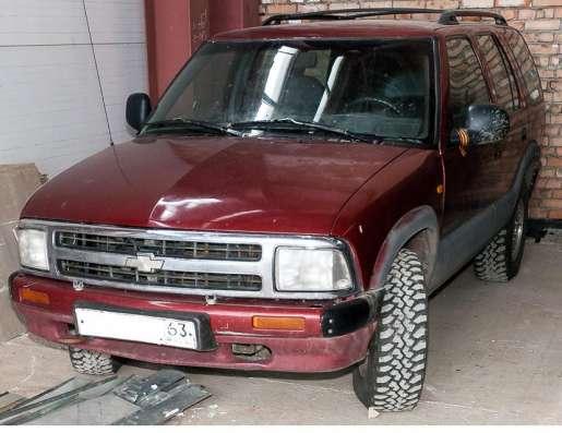 Продам Chevrolet Blazer красный внедорожник 5 дверей, 1997г