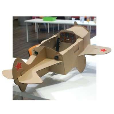 Игрушка из картона Самолет на лямках