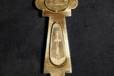 Крест напрестольный серебряный. 1884 год мастерская Шелапутина Дми в Санкт-Петербурге Фото 4