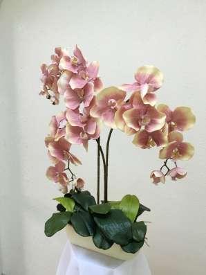 Композиции из искусственных цветов в Москве Фото 1