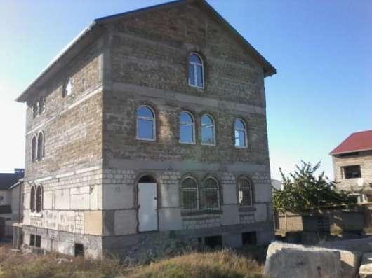 Продается трехэтажный недострой под крышей в районе 7 км. бал. шоссе. в г. Севастополь Фото 1
