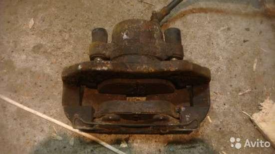 Суппорт передний правый Форд Фокус 2