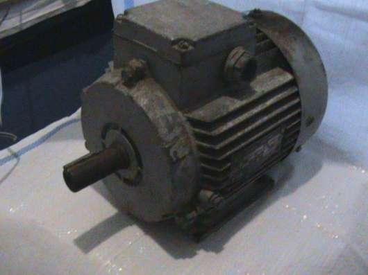 Продам Электро двигатель в г. Курахово Фото 1