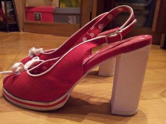 Туфли красные текстильные 38р Устойчивый каблук в Москве Фото 6