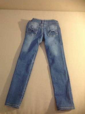 Продам джинсы Б/у в отличном состоянии, размер 116-122 в г. Одесса Фото 1