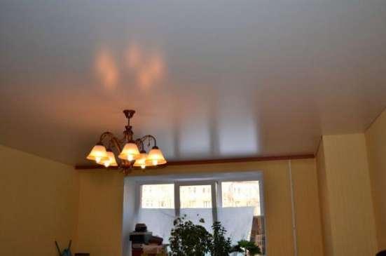 Натяжные потолки в комнату в Москве Фото 2