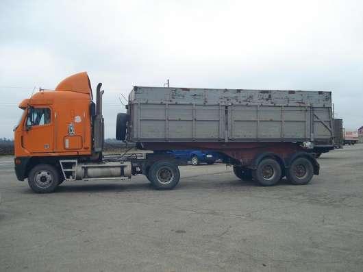 Тягач Freightliner Argosy + Полуприцеп Самосвал 3х ст. разгр