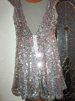Платье нарядное серебристое. паетки блестящие 40 размера в г. Алматы Фото 1