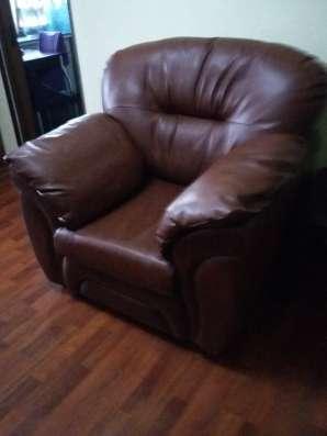 Натур. кожа. Цвет темно-коричневый. кресло+диван в Перми Фото 3