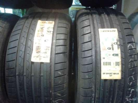 Новый комплект ранфлэт 275 35 и 245 40 данлоп GT