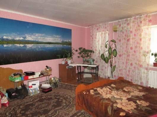 В Кропоткине в МКР 4-комнатная квартира 1/9 106 кв. м