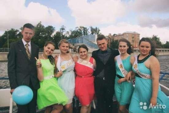 Продается яркое платье в Санкт-Петербурге Фото 1