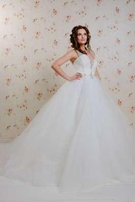 Пышное свадебное платье со шлейфом в Москве Фото 3