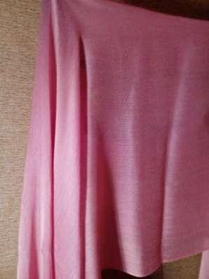шарф розовый с кистями