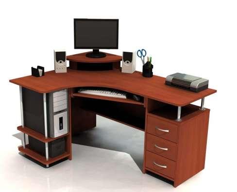 Мебель: столы, шкафы, кухни