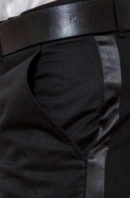 Две Пары мужских брюк с атласными лампасами-галунами в Москве Фото 1
