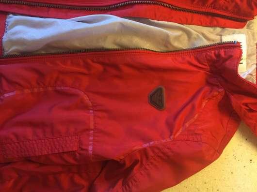 Продам куртку в идеальном состоянии в Калининграде Фото 3
