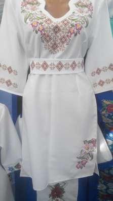 Продаю вишитие платья и рубашки делаю дизайни для машинной в в г. Коломыя Фото 2