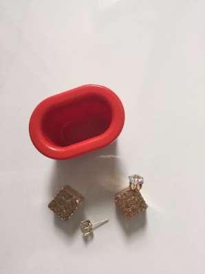 Продам помпу для увеличения губ к ней прилагаются сережки