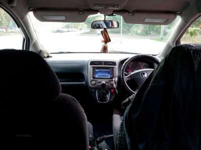 легковой автомобиль Honda Stream