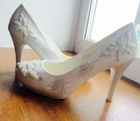 Продам свадебные туфли 37 размер в г. Васлуй Фото 2