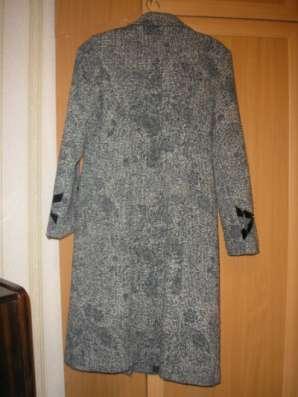 пальто демисезонное р.48 рост 156