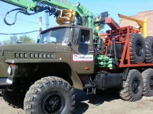 Лесовозный автопоезд Урал 4320 с гидроманипулятором с прицепом
