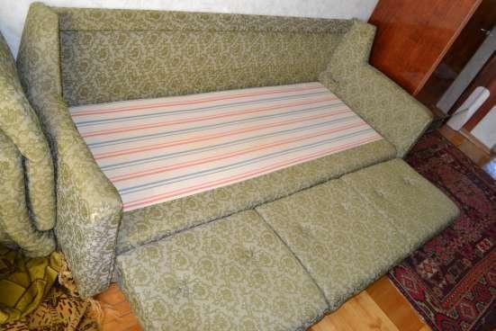 Диван раскладной и 2 кресла