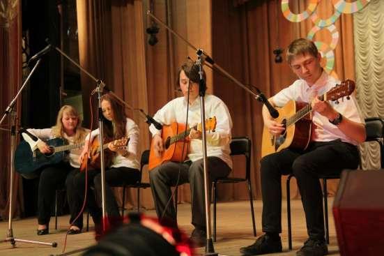 Обучение игре на классической шестиструнной гитаре! в Новосибирске Фото 1