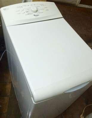 Продам стиральную машину Whirlpool AWE 2214/1