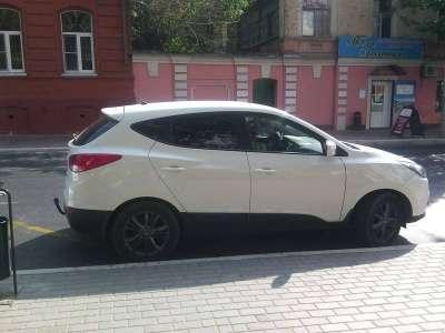 автомобиль Hyundai IX 35