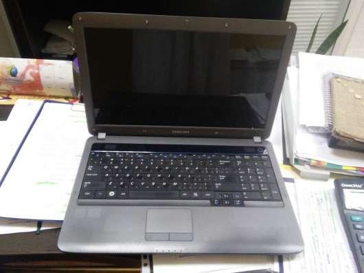 Ноутбук Samsung сломанный